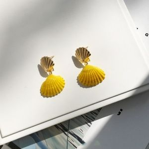 Clam Shell Drop Earring 14K Gold Plated Yellow